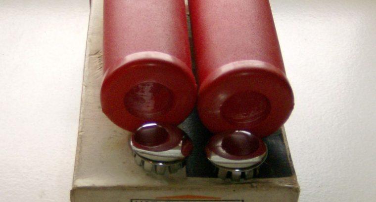 NOS HARLEY DAVIDSON PANHEAD – RED HANDLEBAR GRIPS