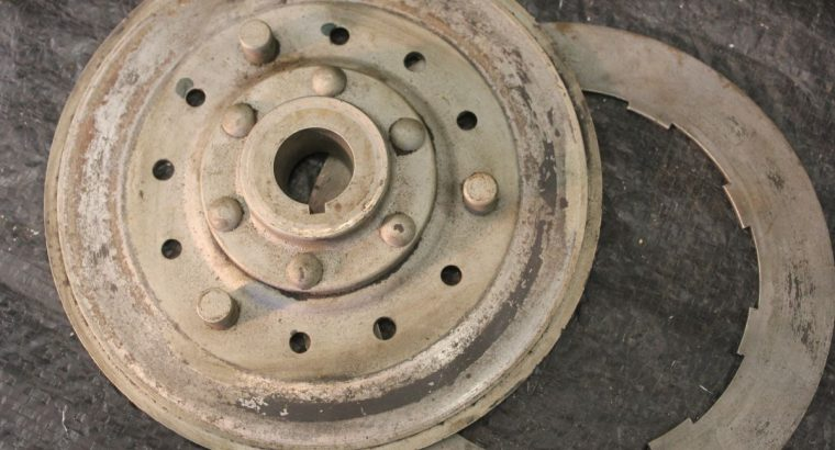 JD CLUTCH PLATE and ONE STEEL DISC