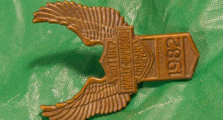 1982 Harley Davidson fender emblem
